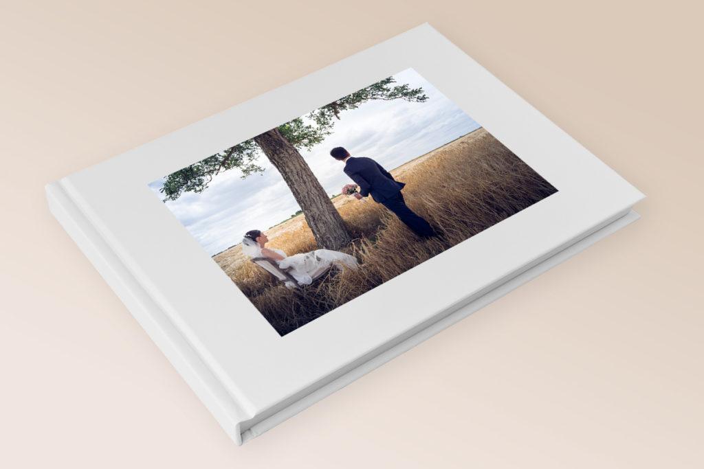 Book Mockup 1024x683 - Prestation Mariage